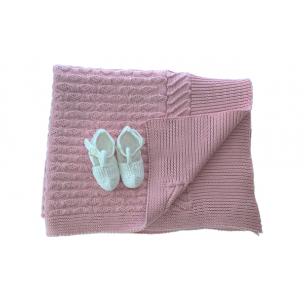 Clouds blanket and baby shoes gift set